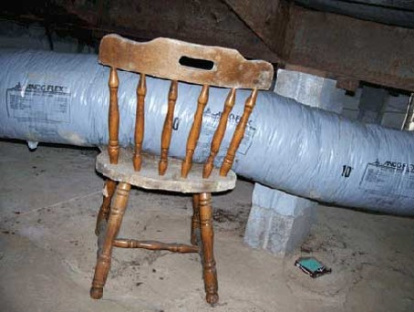 Air pipe for ac is supported by a chair